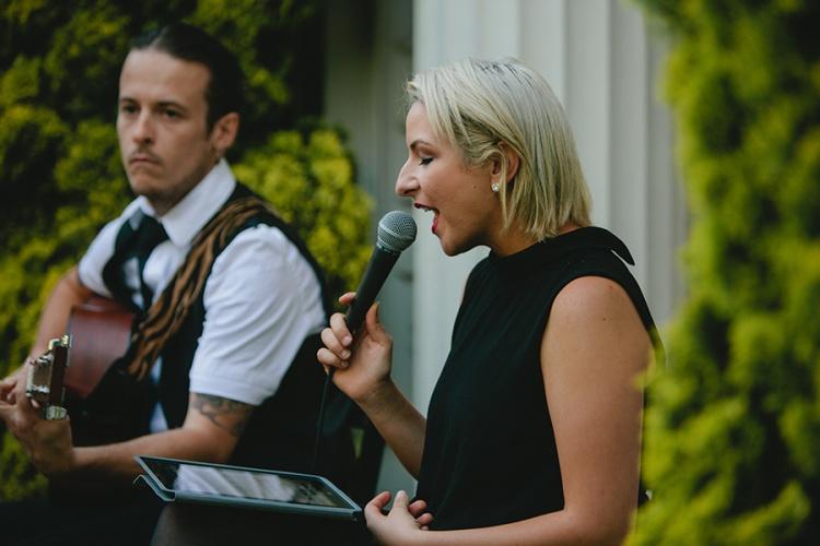 9-intimate-St-Kilda-outdoor-wedding-ceremony-performers