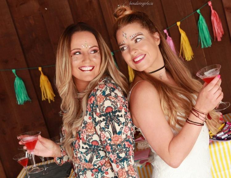 boho-hen-party-theme-photo-shoot-ideas-boudoir-girls