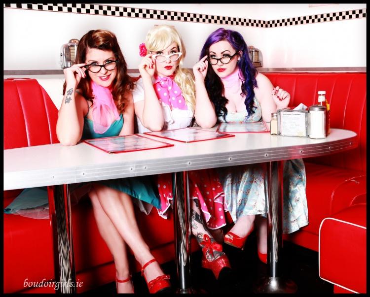 retro-hen-party-theme-photo-shoot-boudoir-girls-ireland