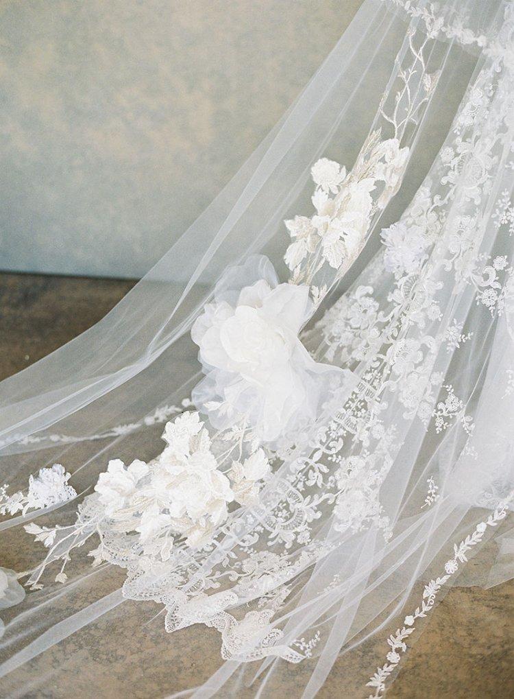 El álbum blanco de Claire Pettibone