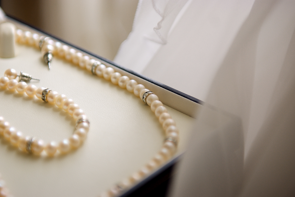 pearl jewellery set bride