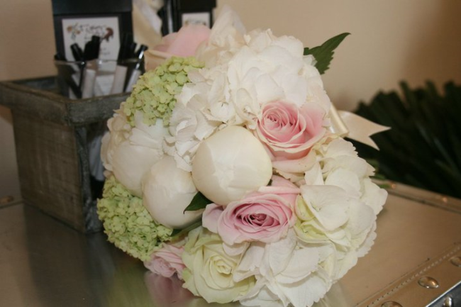 pink cream bouquet