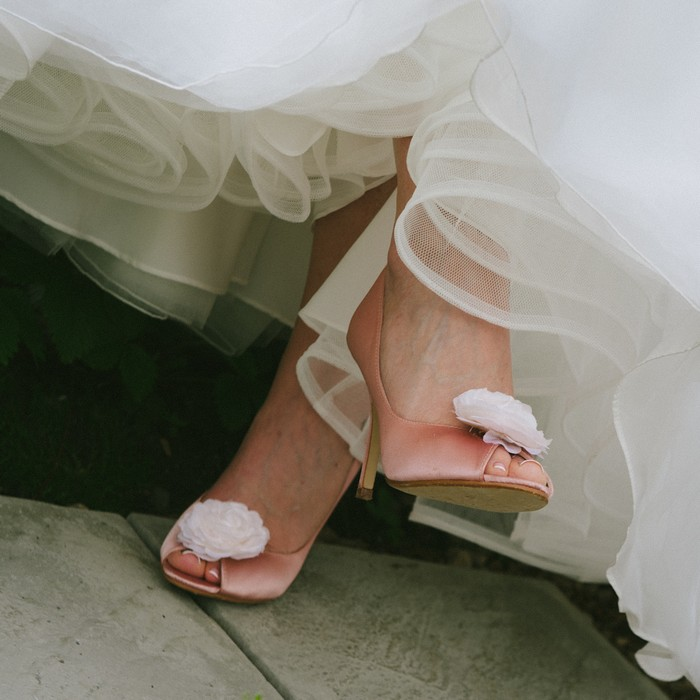 peach wedding shoes with bow