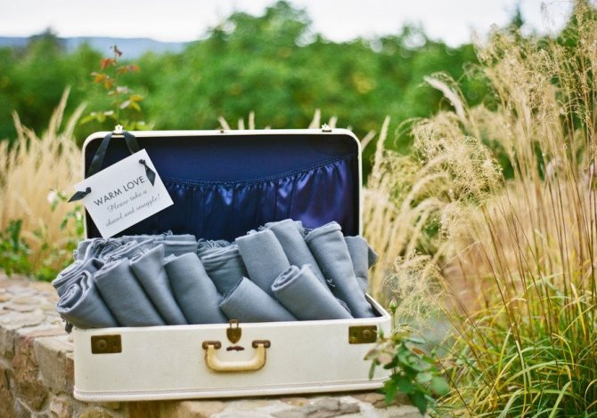 How To Keep Your Guests Comfy At Your Outdoor Wedding: 20 Ways To Personalise Your Wedding