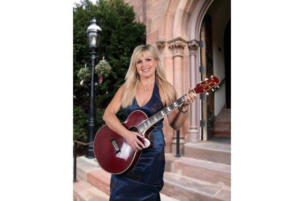 FIONA KENNEDY Singer Guitarist